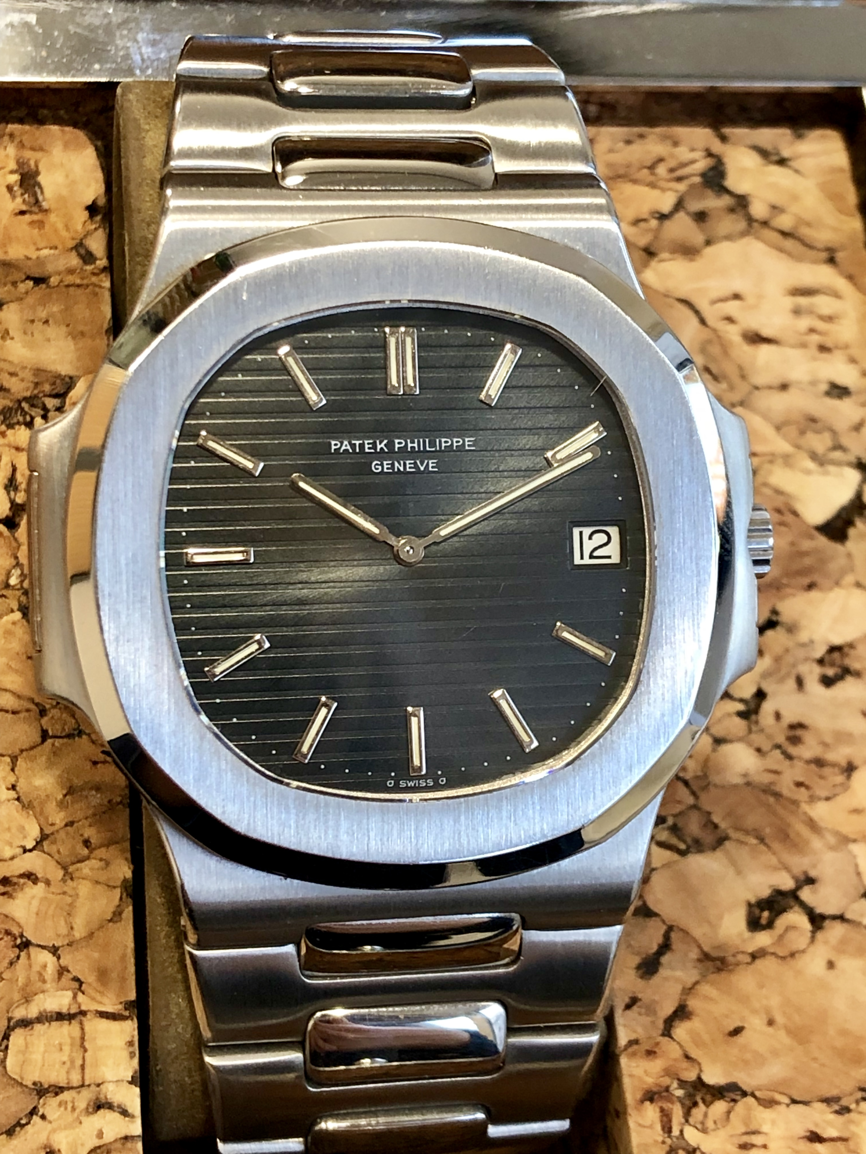 76bf629486f Patek Philippe Nautilus 3700A Fat Links with Cork Box   Extract ...